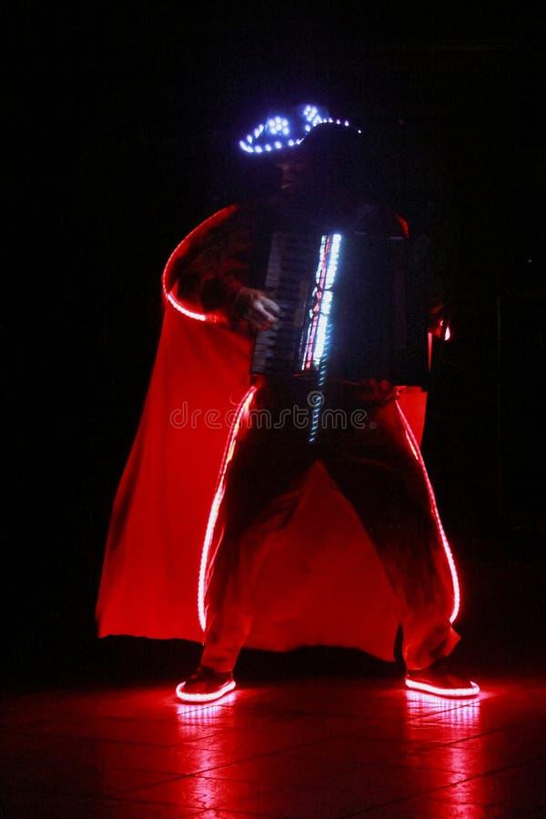 Akordeonista wykonuje fotografia royalty free