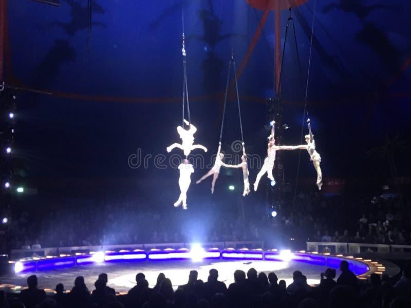 Akrobatik lizenzfreies stockbild