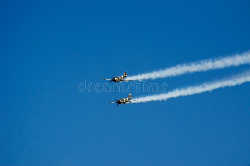 Akrobatische Flugzeuge stockfotos