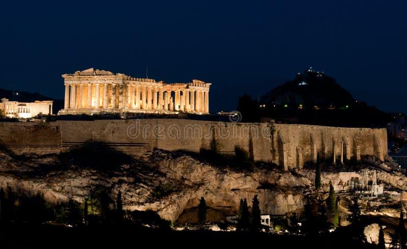 Akropolis bij nacht stock foto's