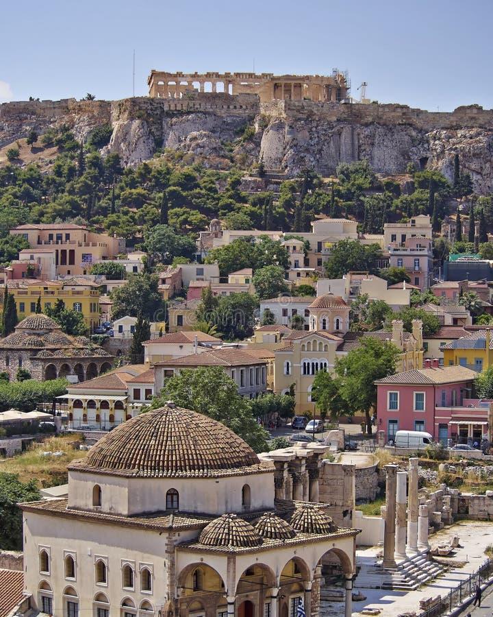Akropolis und Plaka, Athen Griechenland lizenzfreies stockbild