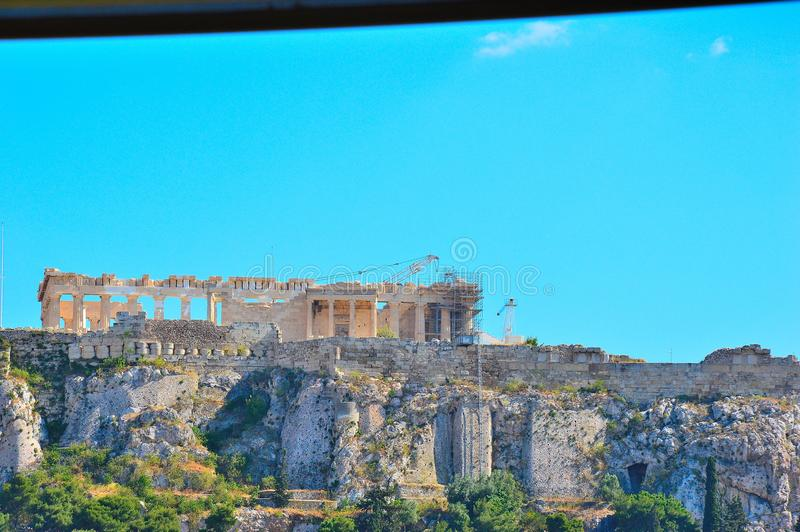 Akropolis von weit lizenzfreie stockbilder