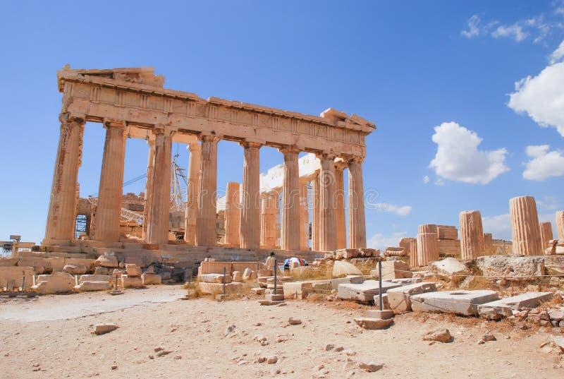 AkropolParthenon, Aten, Grekland med blå himmel arkivfoton