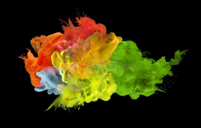 Akrylfärger i vatten abstrakt bakgrund royaltyfri foto