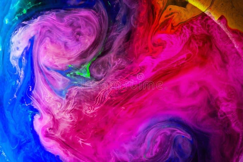 Akrylowi kolory i atrament w wodzie odizolowywali multicolor tło farby kolorowy pluśnięcie abstrakcyjny tło fotografia stock