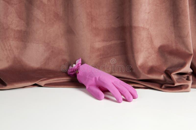 Aksamit różowa gradientowa plastikowa rękawiczka zdjęcia royalty free