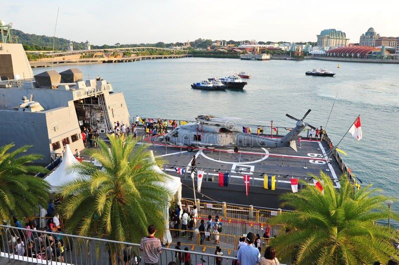 Sikorsky S-70b på RSS som är intrepid på marinen, öppnar huset 2013 arkivfoton