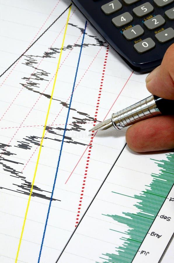 Aktiemarknaden rapporterar analys royaltyfria bilder