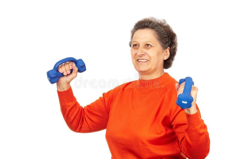Aktive ältere Dame, die Eignung tut lizenzfreies stockbild