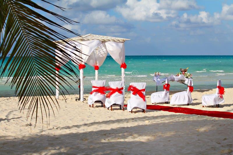 Aktivering för strandbröllopmottagande arkivbilder
