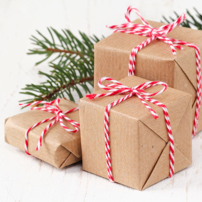 aktuell weihnachtspakete för jul royaltyfri foto