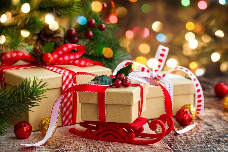 aktuell weihnachtspakete för jul fotografering för bildbyråer