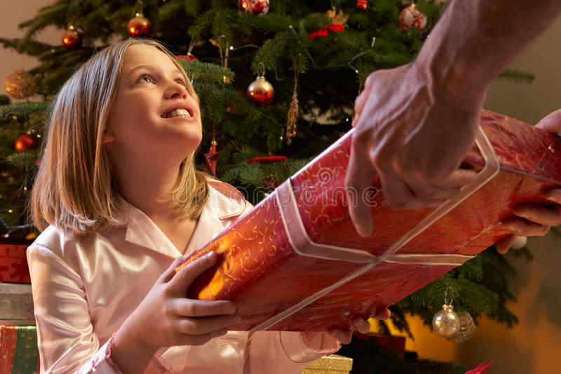 aktuellt mottagande barn för julflicka arkivfoto