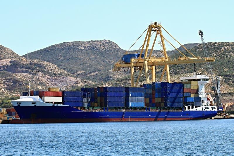 Download Aktywność ładunku Hamburg Portu Statek Obraz Stock - Obraz złożonej z biznes, zafrachtowania: 53781181