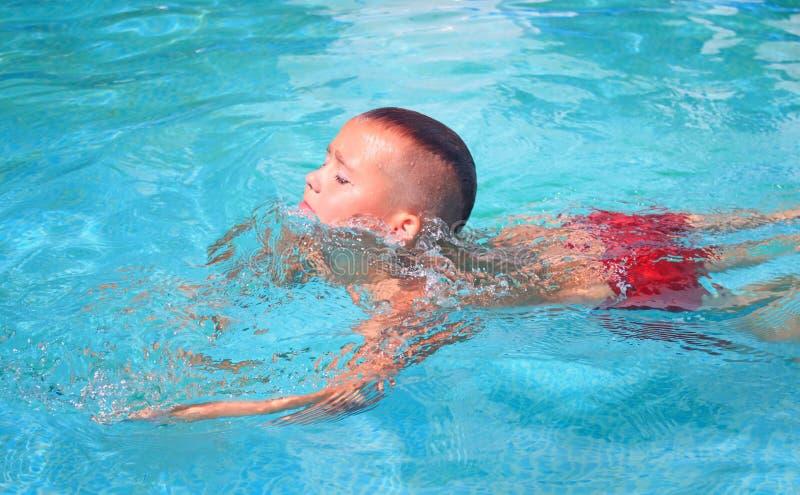 Aktywność na basenie obrazy royalty free