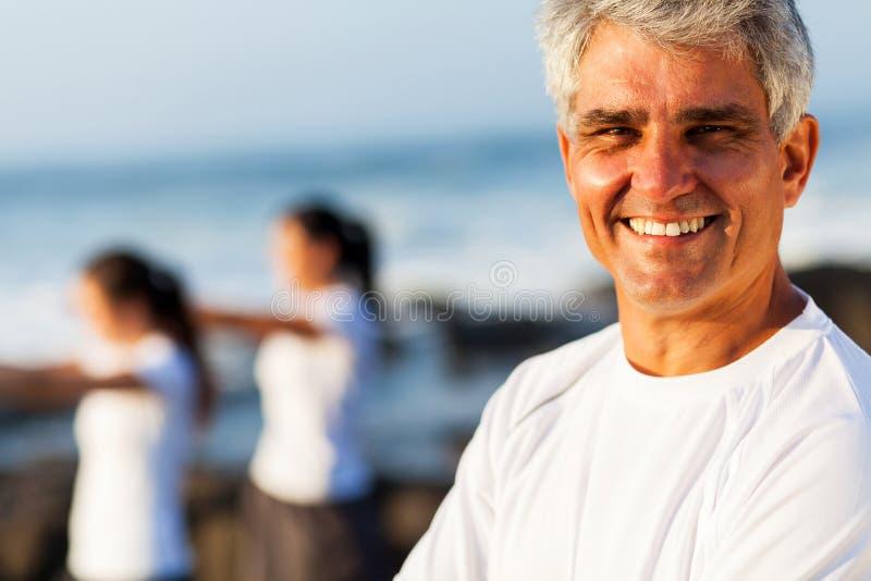 Aktywny starszy mężczyzna zdjęcia royalty free
