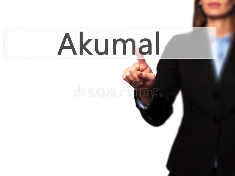 Akumal - main femelle d'isolement touchant ou indiquant le bouton photo libre de droits
