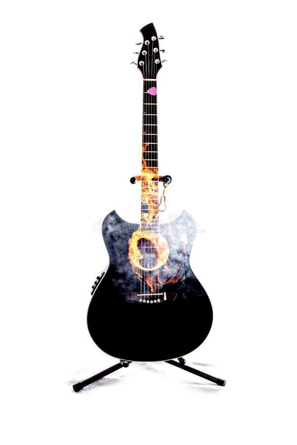 Akustikgitarre-Doppelt-Schwarzes im Schnitt stockbild