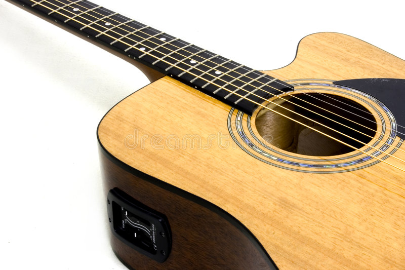Akustische/elektrische Gitarre lizenzfreies stockbild