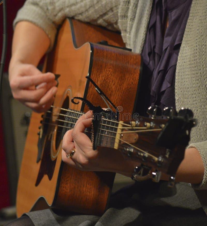 Download Akustisk gitarr arkivfoto. Bild av musik, aconiten, låtskrivare - 37348886