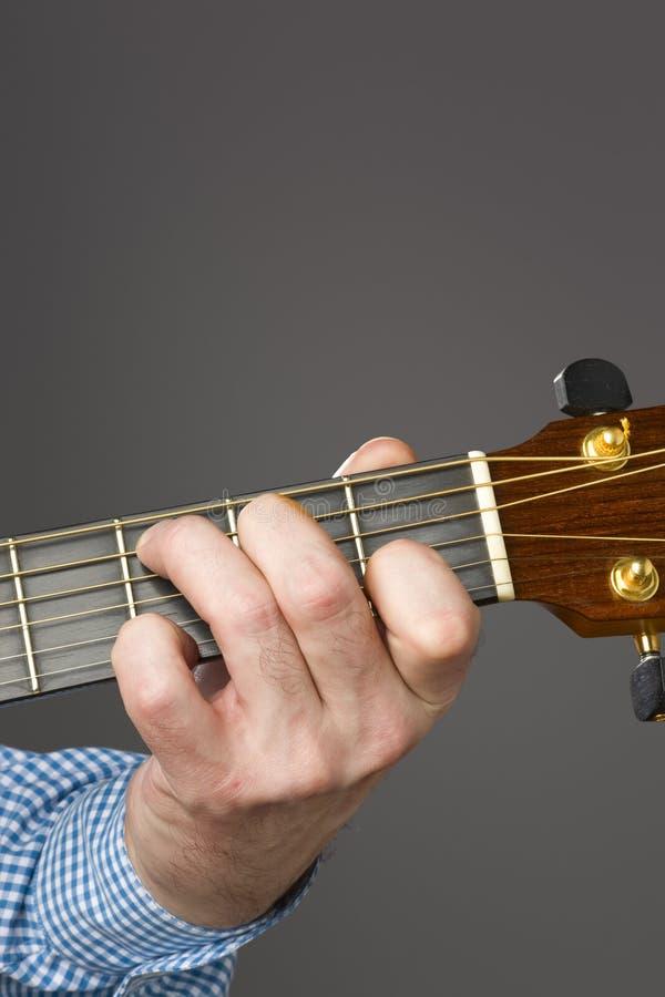 akustisk gitarrspelare royaltyfri fotografi