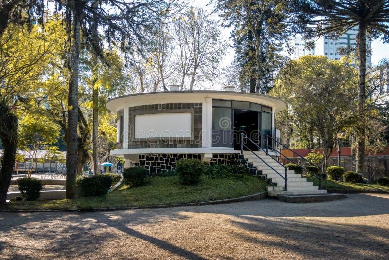 Akvariet på Passeio Publico parkerar - Curitiba, Parana, Brasilien royaltyfria bilder