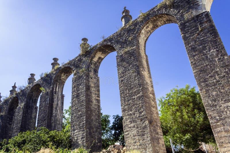Akvedukt i den Templar kloster av Kristus royaltyfria foton