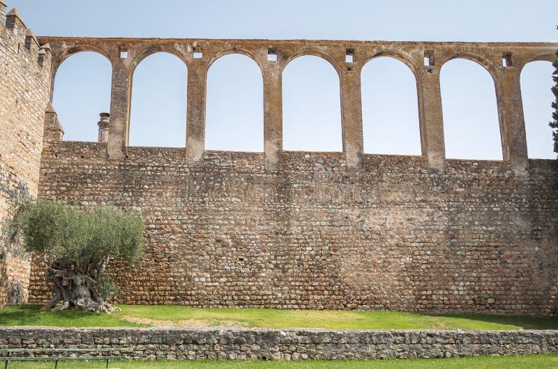 Akvedukt i Serpa, Portugal arkivbilder