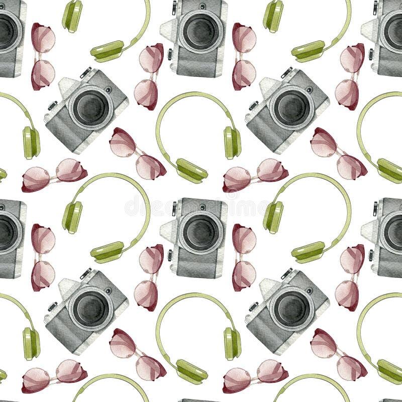 Akwarela modnisia bezszwowy wzór z fotografii kamerą, okulary przeciwsłoneczni, hełmofony odizolowywający na białym tle Ręka rysu royalty ilustracja