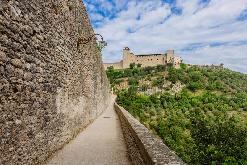 Akwedukt i forteca w Spoleto, Umbria, Włochy zdjęcia royalty free