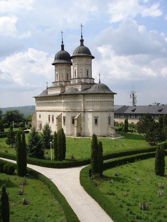 Aléia do monastério e do jardim fotografia de stock