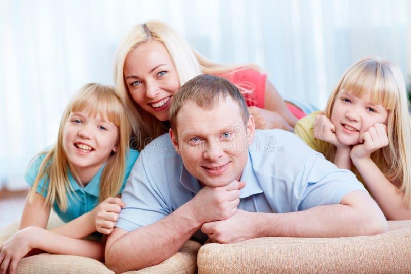 Al familie samen royalty-vrije stock foto's