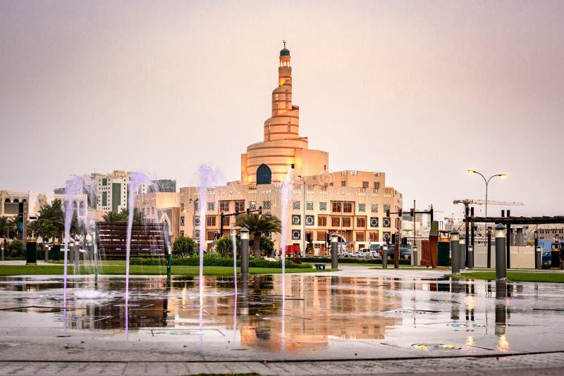 Al Fanar moské Doha Qatar royaltyfria bilder