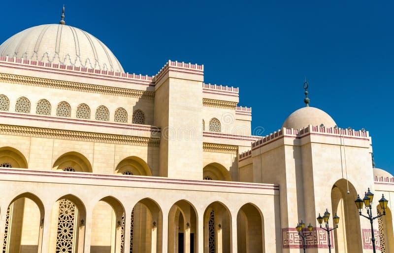 Al Fateh Grand Mosque i Manama, huvudstaden av Bahrain royaltyfri foto