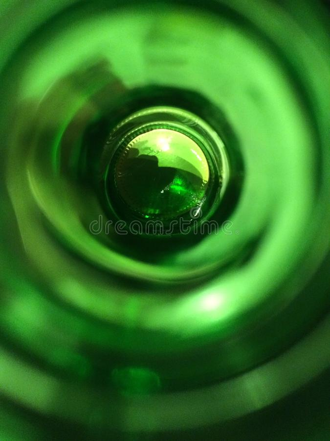 Al fondo de la botella imagen de archivo libre de regalías