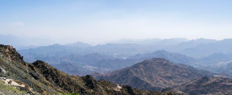 Al Hada Mountain in Taif-Stadt, Saudi-Arabien mit schöner Ansicht der Gebirgs- und Al Hada-Straße zwischen den Bergen lizenzfreie stockbilder