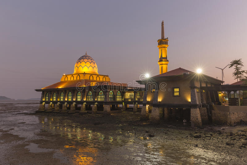 Al Hussain Masjid в городе Kuala Perlis, Малайзии стоковые изображения rf