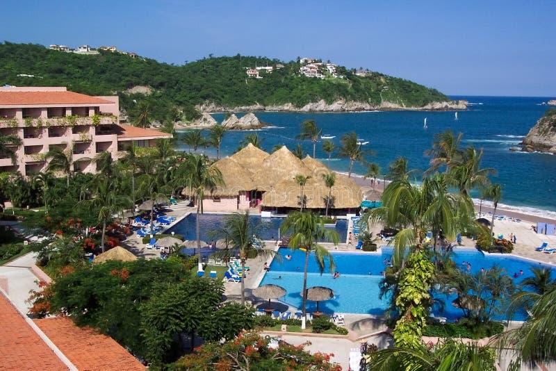 Download Al Inclusief hotel-Mexico stock foto. Afbeelding bestaande uit bomen - 32528