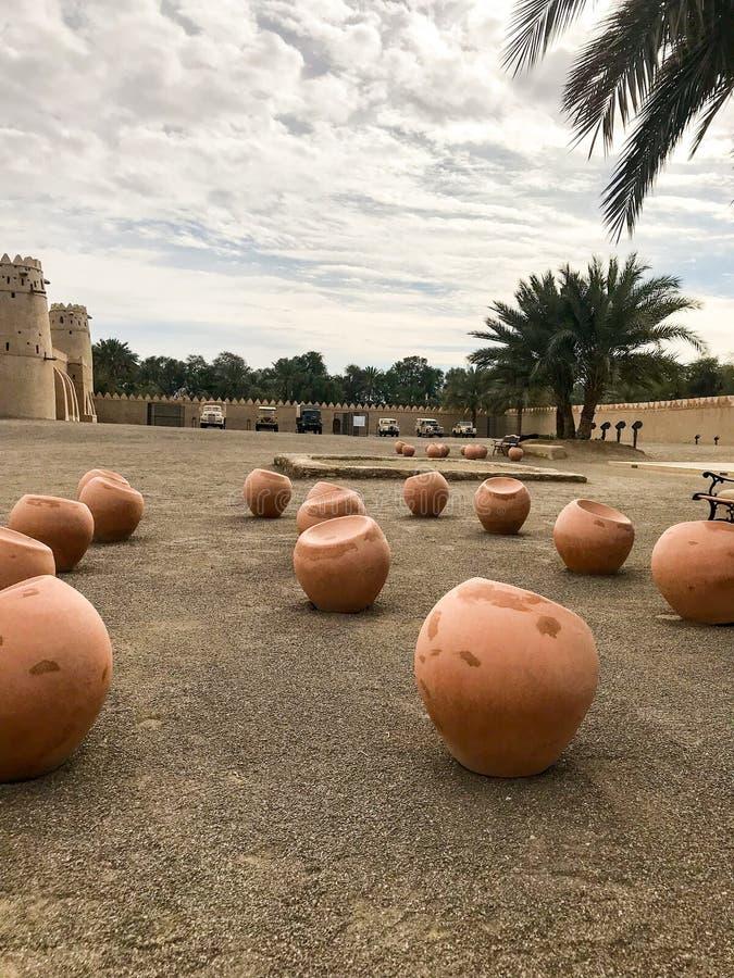 Al Jahili Fort is één van UAE's de meeste historische gebouwen stock afbeeldingen