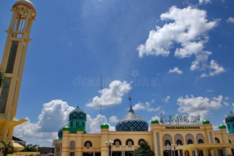 Al Karomah Great Mosque le lieu de culte principal pour des musulmans dans la ville de Banjarbaru photos stock