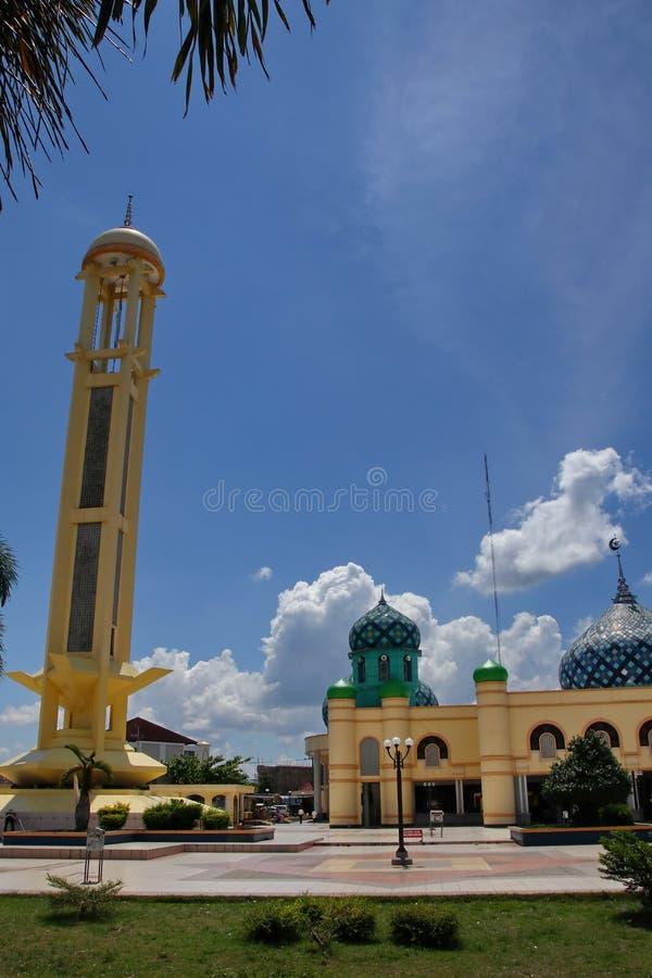 Al Karomah Great Mosque le lieu de culte principal pour des musulmans dans la ville de Banjarbaru photos libres de droits