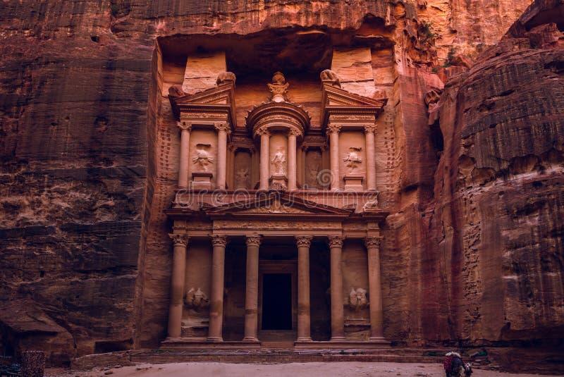 Al Khazneh The Treasury at Petra, jordan stock photography