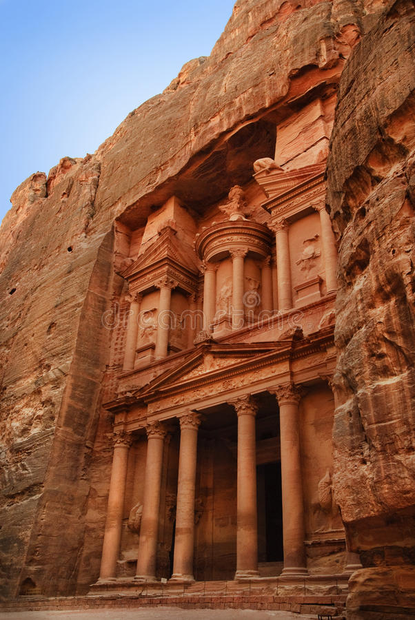 Download Al Khazneh, Petra stock photo. Image of mountain, history - 26521136