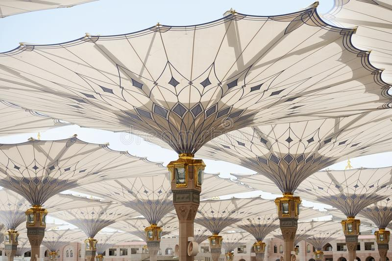 Al Madina Moschee lizenzfreies stockbild