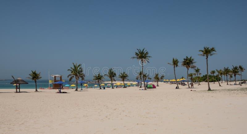Al Mamzar海滩在迪拜 免版税库存照片