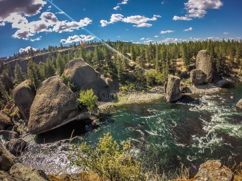 Al parco di stato della ciotola e del lanciatore della riva del fiume a Spokane Washington fotografie stock