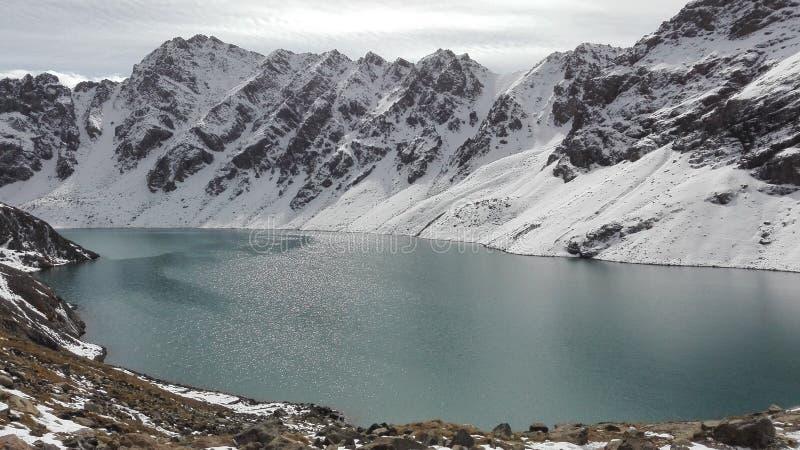Ala Kul del lago vicino a Karakol in Kyrgzystan fotografia stock