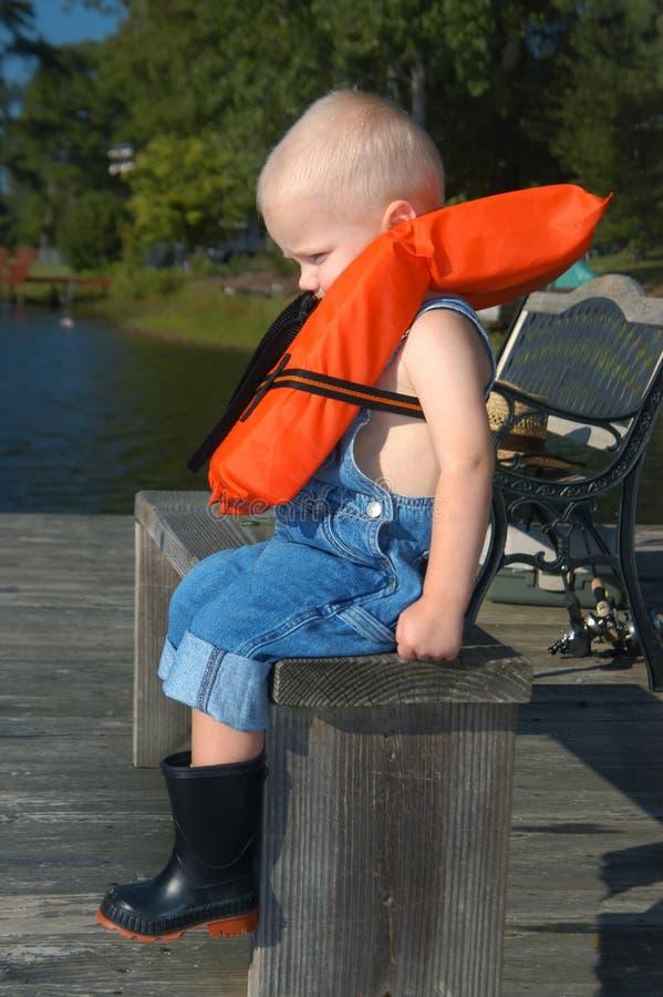 Alabama behandla som ett barn pojkefiske royaltyfri fotografi