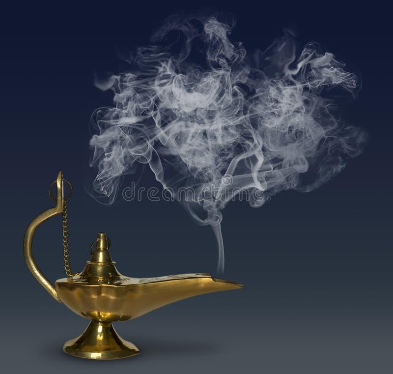 Aladdin& x27 μαγικός λαμπτήρας του s στοκ εικόνα