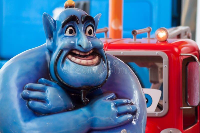 Aladdin krasnoludków statua w przyciąganie parku - Aladdin jest sławnym charakterem od Walt Disney obraz stock